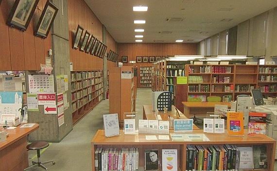 冬季_経済学図書館 | 東京大学附属図書館